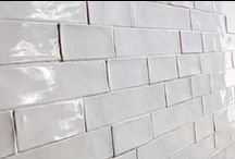 Subway Tiles / Subway  Wall Tiles. Examples of the numerous metro & subway tiles looks and designs available.  Be it a bathroom feature wall, a kitchen splash back tile or a whole renovation.  Subway tiles tick a lot of boxes.