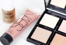 My Best Beauty Buys / Things in my makeup bag.