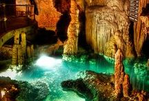 Captivating Caves / Remarkable caves and caverns created by the magic of nature