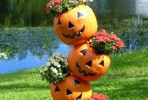 Halloween Crafts / Fun Halloween craft ideas for kids and parents. Enjoy the DIY Craft ideas at your Halloween party or to decorate for Halloween throughout the month.