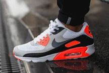 Nike Sneakers / Deals & Release Links for all of the best Nike Sneakers