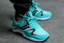 Saucony Sneakers / Deals & Release Links for all of the best Saucony Sneakers
