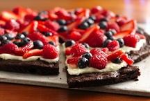 Food: Desserts / by Michelle McGrath