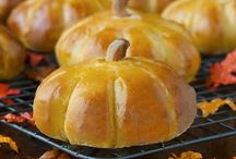 Fall and Holiday Eats / by Daniela Gelety