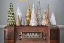 Holiday Decorating Ideas / by Daniela Gelety