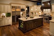 Kitchens / by Aubrey Phillips