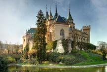 Les châteaux  / Les châteaux, Castle, Castles  / by Fleurs d'avenir