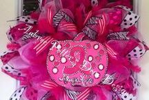 CRAFTS WREATH LOVE / by Erica McCarty