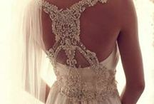 Say Yes to the Dress / by Annie Montoya