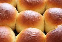 Bread! / Carbs, carbs, carbs. Best bread recipes! #bread #dinnerroll #howtomakebread #breadrecipe #copycatbreadrecipe