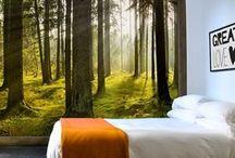 Bomen en Natuur @ Muurmode / Met een fotobehang met bossen of een muursticker met bomen geef je je kamer een natuurlijke uitstraling. Kies voor landelijke tinten zoals groen en bruin of ga voor een afwijkende uitstraling en kies een zwart-wit bos of een muursticker in jouw favoriete kleur.