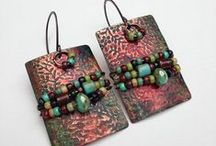 Lindy's Designs:  My Jewelry Designs / Jewelry by Lindys Designs can be found on Etsy at https://www.etsy.com/shop/LindysDesigns or my facebook page https://www.facebook.com/lindysdesigns