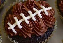 Cake/Cupcakes / by Leanna Cowan