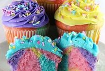 Cakes and Cupcakes Group / Cakes and cupcakes from blogger friends