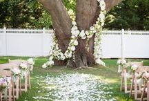 Rustic Chic Weddings | Wedding Trends / This board has inspiration to create a rustic, country and vintage wedding. From flowers, attire, decor, favors and much more. Interested in booking a wedding? Contact our wedding planners at marryme@littlechapel.com for more information about our all-inclusive wedding packages. www.littlechapel.com