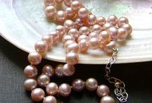 Pink pearls / Pink (natural colour) pearl necklaces, bracelets, earrings - jewelry !