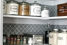 Pantry & organized accessories / I hope your pantry looks well and organized :) Even with retro wall paper!