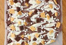 Desserts & Snacks / by Ashley Henderson