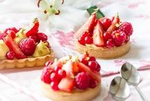 Desserts / by Maria Carolina Lopez