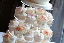 Wedding Cupcakes / by Caroline Yeoh