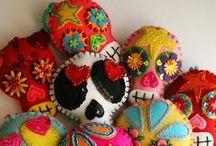 Dia de los muertos / Day of the dead. Sugar Skulls.