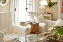 Family Room Ideas / by Bonnie Michaels
