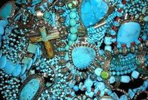 TuRqUoIsE LoVe / by Angela Street