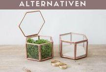 Ringkissen-Alternativen / Es muss nicht immer ein Ringkissen sein. Wie wäre es mit einer Ringkissen - Alternative zum Beispiel ein Schiff oder einer Glasflasche? Romantische Ideen und ausgefallene sowie individuelle Tipps.