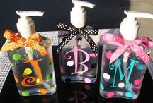 Gift Ideas / by Bonnie Oscarson