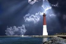 """you LIGHT up my life"" / Pictures of Lighthouses...I Love Love Love Lighthouses!"