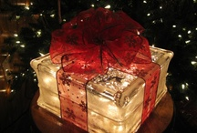 Holiday's / Holiday's and seasonal decoration and ideas.  / by Vickie Gravitt