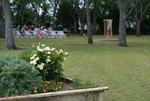 Rustic Wedding Decor / This board features awesome ideas for rustic wedding decor