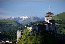 Château / Castle Lourdes / Monument historique de Lourdes de plus de mille ans qui vous offre bien plus qu'une visite…C'est un voyage dans le temps, avec vue panoramique sur Lourdes, musée et jardin botanique. Web site : http://www.chateaufort-lourdes.fr/