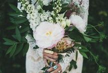 Wedding Flowers / Bouquets, centerpieces, flower education and more to help you get inspired and educated on all things related to floral design for your wedding.