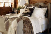 Beds & Bedding / by Tara Bardella