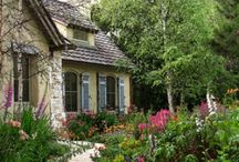 Cute Cottages / by Renee Kerby