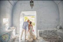 Santorini Honeymoon Photography / Santorini honeymoon photoshoot