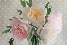 Blommor - men inte de som växer / by Agneta Ekholm
