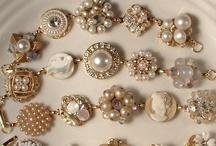Crafts: Jewelry / by Andi Robbins
