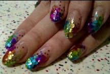 ö Nails glitter