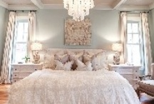 Beautiful Bedrooms / by Kimberly Leonhard