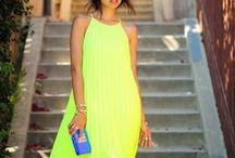 Maxi Dresses / maxi dresses / maxi skirts / pleated maxi dresses / maxi outfit ideas / floral maxi