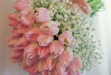 Spring Wedding Flowers / Fresh, vintage, garden, natural, spring flowers at their very best #weddings