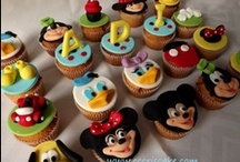 Cupcakes, cake pops n macaron (deco) / by Judy Wong