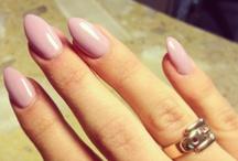 Stiletto nails I ♥ / by Sarah B