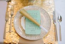 Party {Gold} / Gold party, gold decorations, gold table setting, gold invitations, etc.