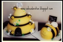 Bee Cakes / by Pat Korn