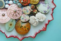 i heart buttons / by jessi faige