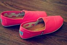 If the shoe fits / by Jade Roch von Rochsburg