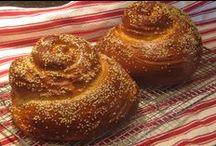 Classic Kosher Jewish Holiday Cooking / Traditional and modern classic recipes for Jewish holidays. It tastes like Home!
